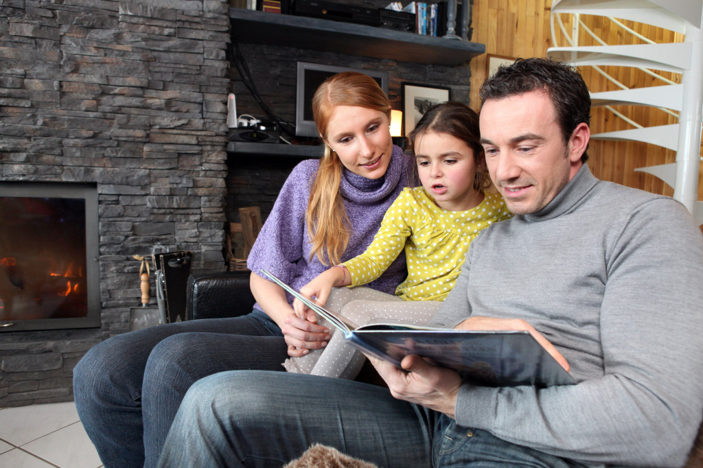 Family-reading-in-living-room-1024x682